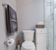 nuss-construction-bright-white-bathroom-remodel-10